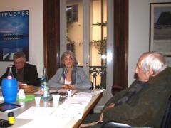 Paolo Abelli, Stefania Brai e Francesco Maselli in riunione per individuare i vincitori.